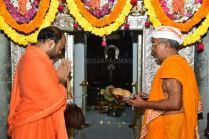 Navaratri-Dasara-Hombuja-Humcha-Jain-Math-2018-Day-01-0003