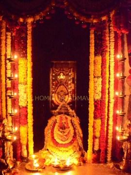 Navaratri-Dasara-Hombuja-Humcha-Jain-Math-2018-Day-03-0011
