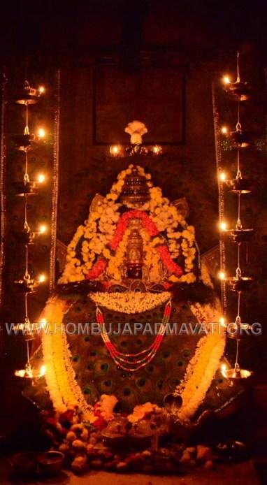 Navaratri-Dasara-Hombuja-Humcha-Jain-Math-2018-Day-05-0021