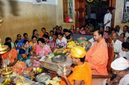 Navaratri-Dasara-Hombuja-Humcha-Jain-Math-2018-Day-05-0023