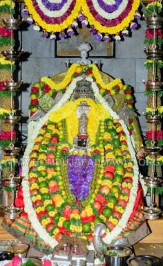 Navaratri-Dasara-Hombuja-Humcha-Jain-Math-2018-Day-07-0016