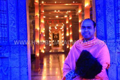 Hombuja-Humcha-Jain-Math-Parshwanath-Padmavati-Laksha-Deepotsava-2018-Day-03-0012