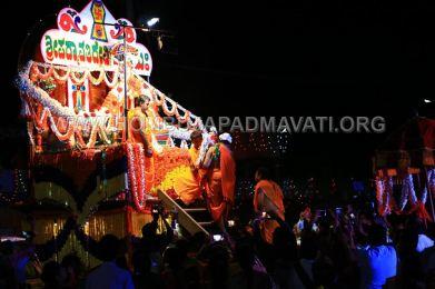 Hombuja-Humcha-Jain-Math-Parshwanath-Padmavati-Laksha-Deepotsava-2018-Day-03-0022