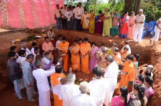 Hombuja-Humcha-Paliakkana-Basadi-Rebuilding-Bhoomi-Pooia-2018-0003