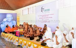 Acharya-Shanthisagar-Maharaj-Diksha-Shatamanotsava-National-Level-Meeting-Humcha-Hombuja-Jain-Math-0002