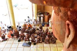 Acharya-Vardhamansagarji-Maharaj-Guddada-Basadi-Hombuja-Jain-Temple-Mastakabhisheka-0008