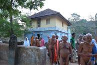 Acharya-Vardhamansagarji-Maharaj-Hombuja-Jain-Temples-Darshan-0016