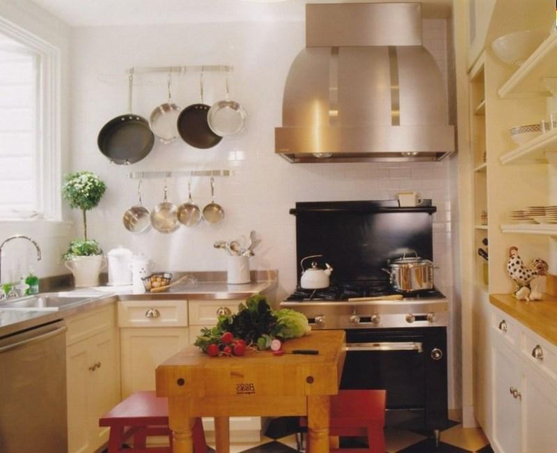 Дизайн маленької кухні в класичному стилі