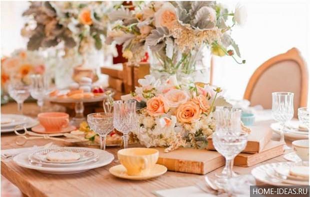 Nastavitev mize doma  Očala, kozarci za vino, kozarci