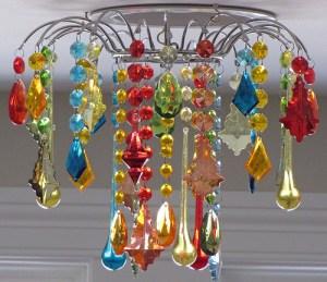 яркий декор дома - люстра
