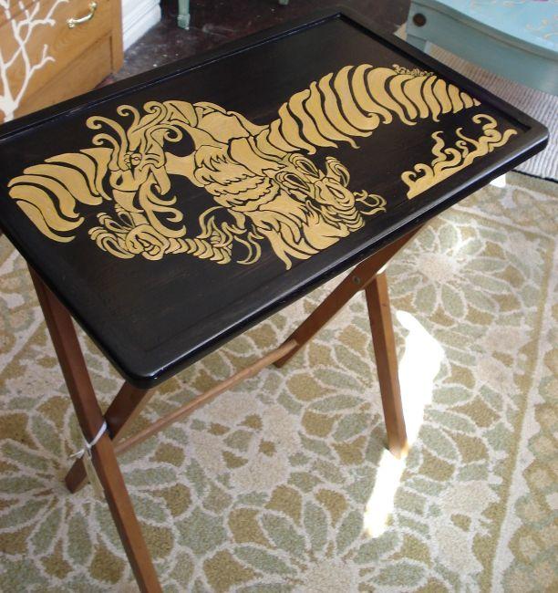 роспись мебели столик
