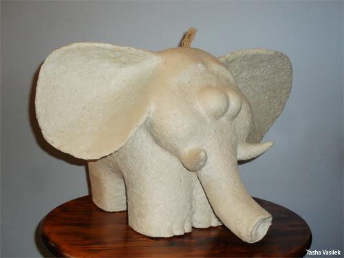 слон из папье-маше