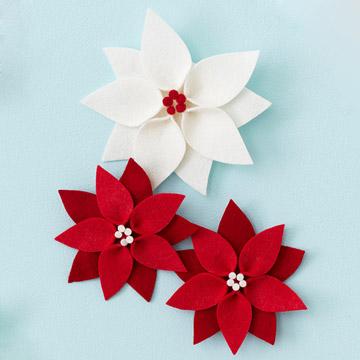 Новогодняя игрушка цветы из фетра