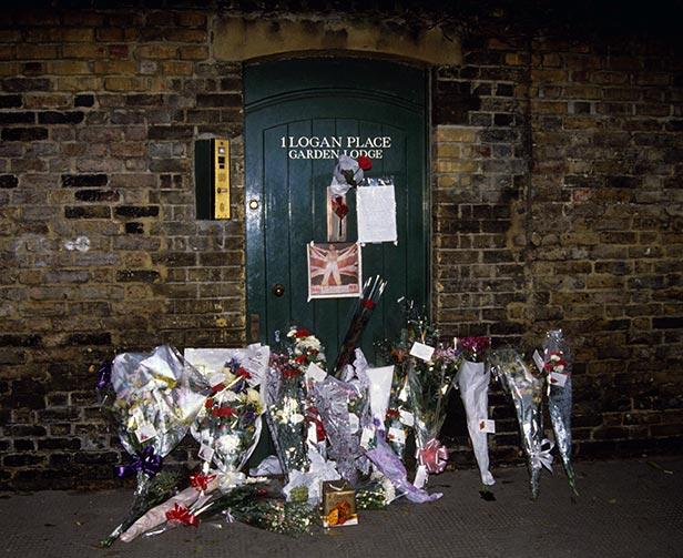 November 24 1991 Freddie Mercury dies a day after