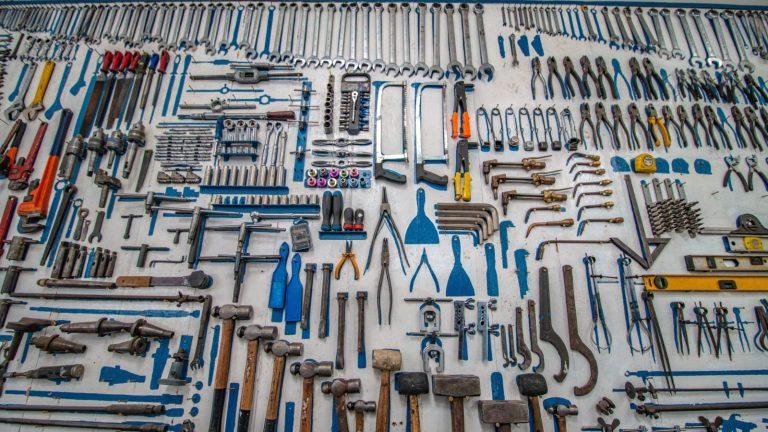 Principais ferramentas Low Code. Photo by Cesar Carlevarino Aragon (unsplash)