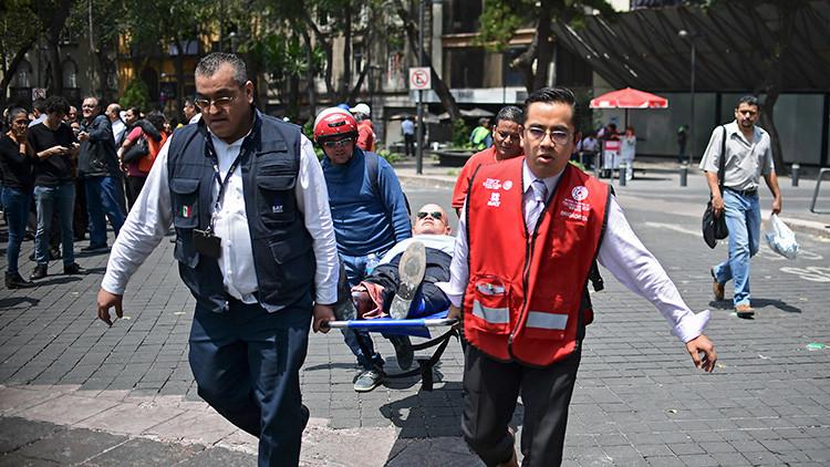 Videos: El terremoto de 7,1 causa desprendimientos en varios edificios en la Ciudad de México