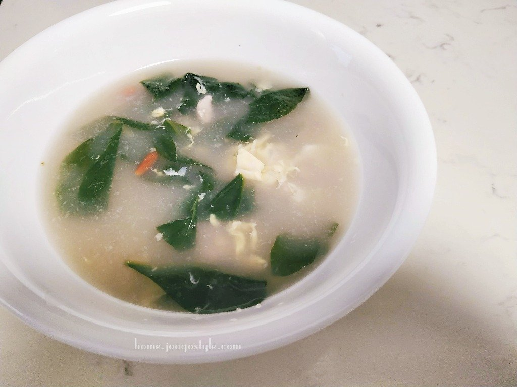 Egg Drop Soup with Boxthorn Leaves