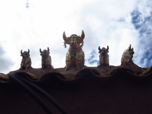 Bulls on the roof. (Apparently the Incas used llamas until the Spanish brought cows.