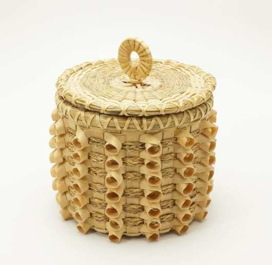 Caron Shay curlicue basket