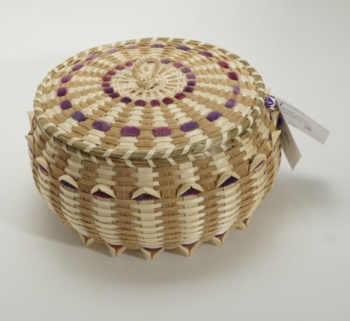 Pam Cunningham Wool Accents Two Tone Sewing Basket