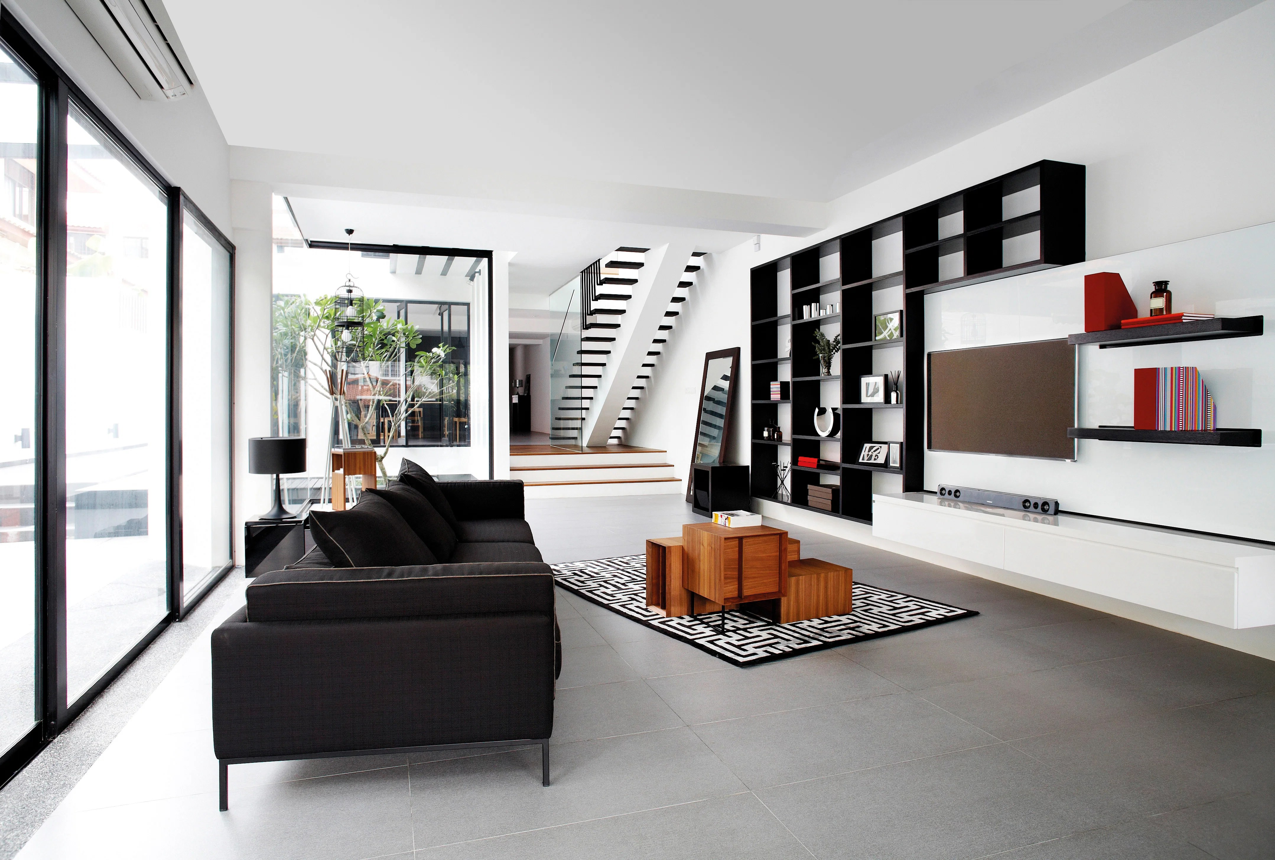 House Tour: This Semi-detached House Takes On Both