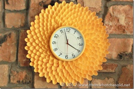 Plastic Spoon Chrysanthemum Clock @craftgossip