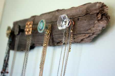 DIY-necklace-holder