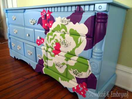Furniture-Transformation-using-a-Projector