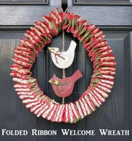 folded-ribbon-welcome-wreath