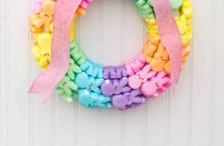 DIY Cute Peeps Easter Wreath