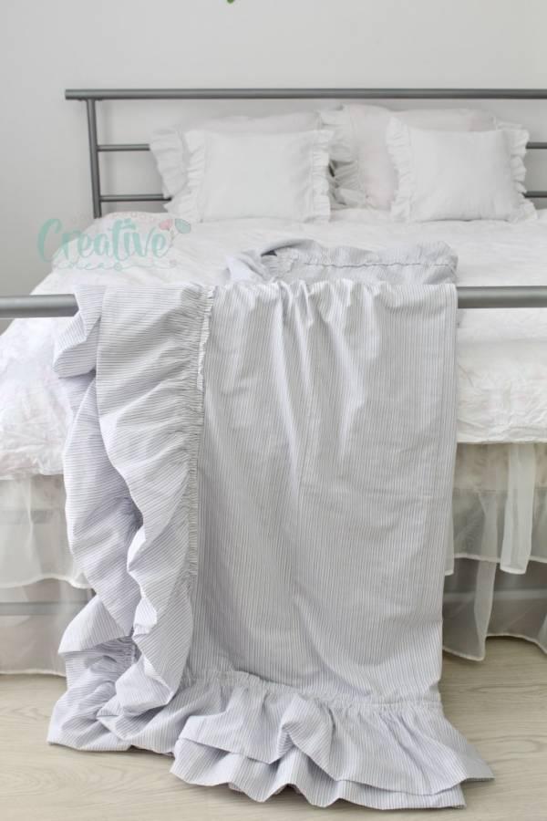 DIY Ruffled Throw Blanket