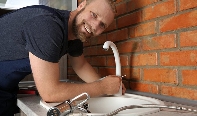 Read more about the article What Handyman Hourly Rate is Fair to Pay?