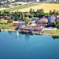 Kam na Slovensku k vodě? Senec a jeho Sluneční jezera Vás zaručeně uchvátí