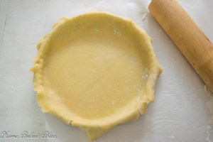 Tart crust in a pie pan