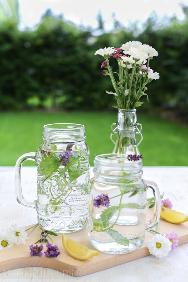 Spa Water, infused water, how to make infused water, how to make spa water, spa water recipe, infused water recipe, lemon cucumber water, mint lavender water, peach basil water