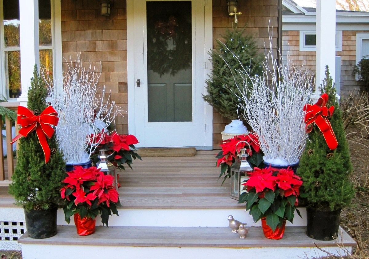 50 Best Outdoor Christmas Decorations for 2018