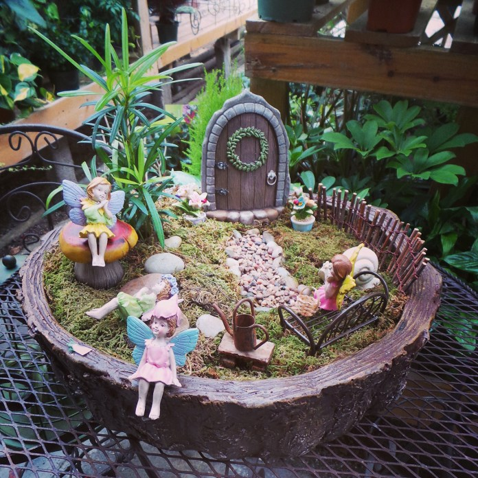 Fairy Garden Ideas: Enchanted door to nowhere diy mini garden