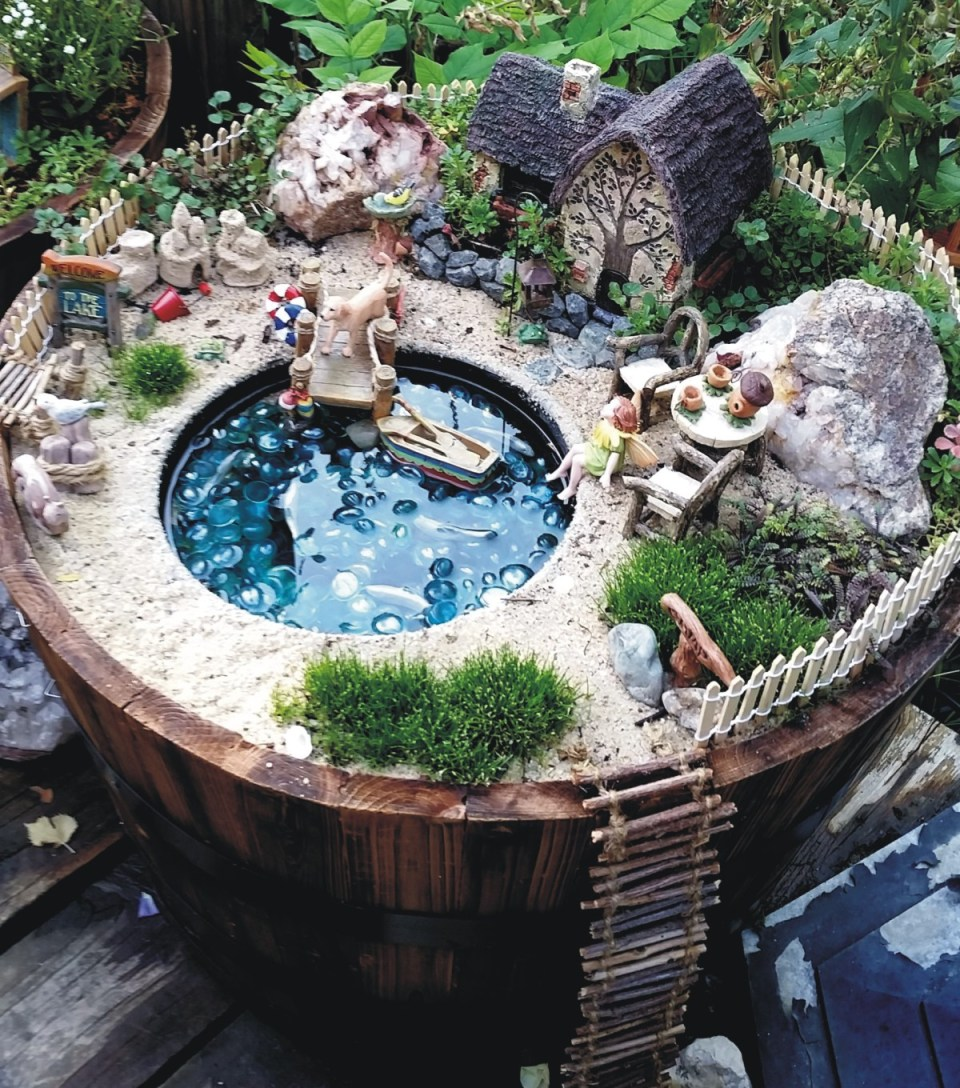 Fairy Garden Ideas: A lakeside cottage fairy garden