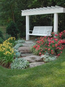 Retreat Garden Swing Idea