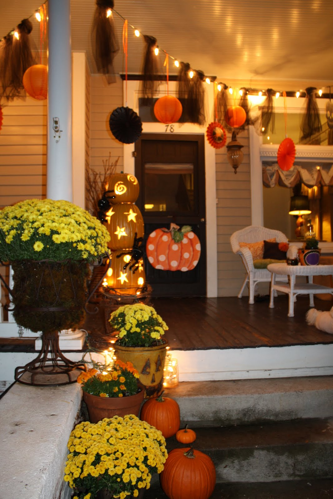 50 Chilling and Thrilling Halloween Porch Decorations for 2019
