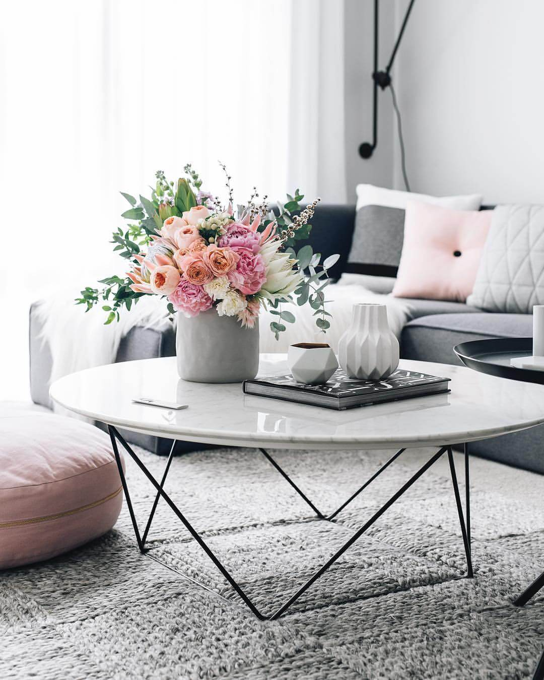 decoration ideas for living room table la z boy furniture 37 best coffee decorating and designs 2019 1 peachy spring flower arrangement with geometric vases
