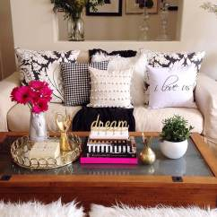 Coffee Table Living Room Design Navy Furniture 37 Best Decorating Ideas And Designs For 2019 3 Easy Elegant Book Stack With Gold Accent Art