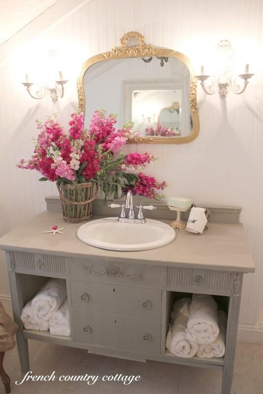 15 Lovely Shabby Chic Bathroom Decor Ideas  Style Motivation