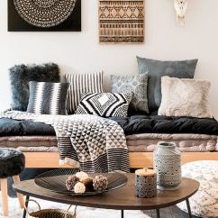 Coffee Table Living Room Design Sober Rooms For Rent 37 Best Decorating Ideas And Designs 2019 Funky Asymmetric With Geometric Print Containers