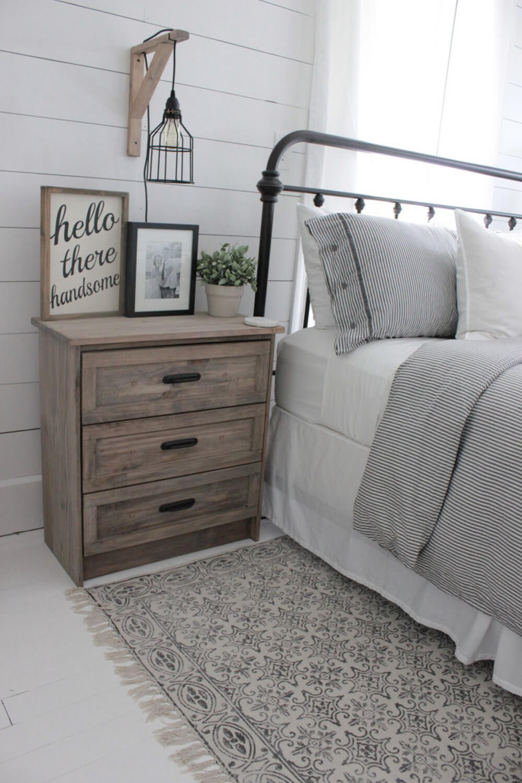 45+ Best Farmhouse Bedroom Design and Decor Ideas for 2021