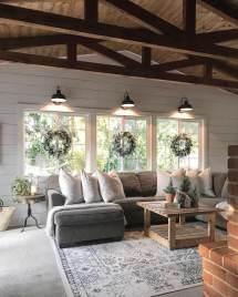 Farmhouse Living Room Decorating