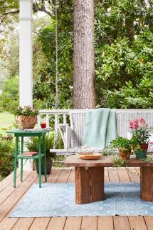 Rustic Front Porch Spring Decorating Ideas