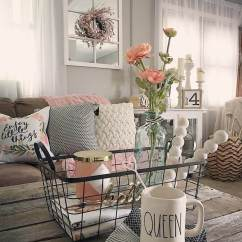 Shabby Chic Living Rooms Pictures Wall Decorations For Room Ideas 32 Best Decor And Designs 2019 14 Distressed Wood Coffee Table With Vase