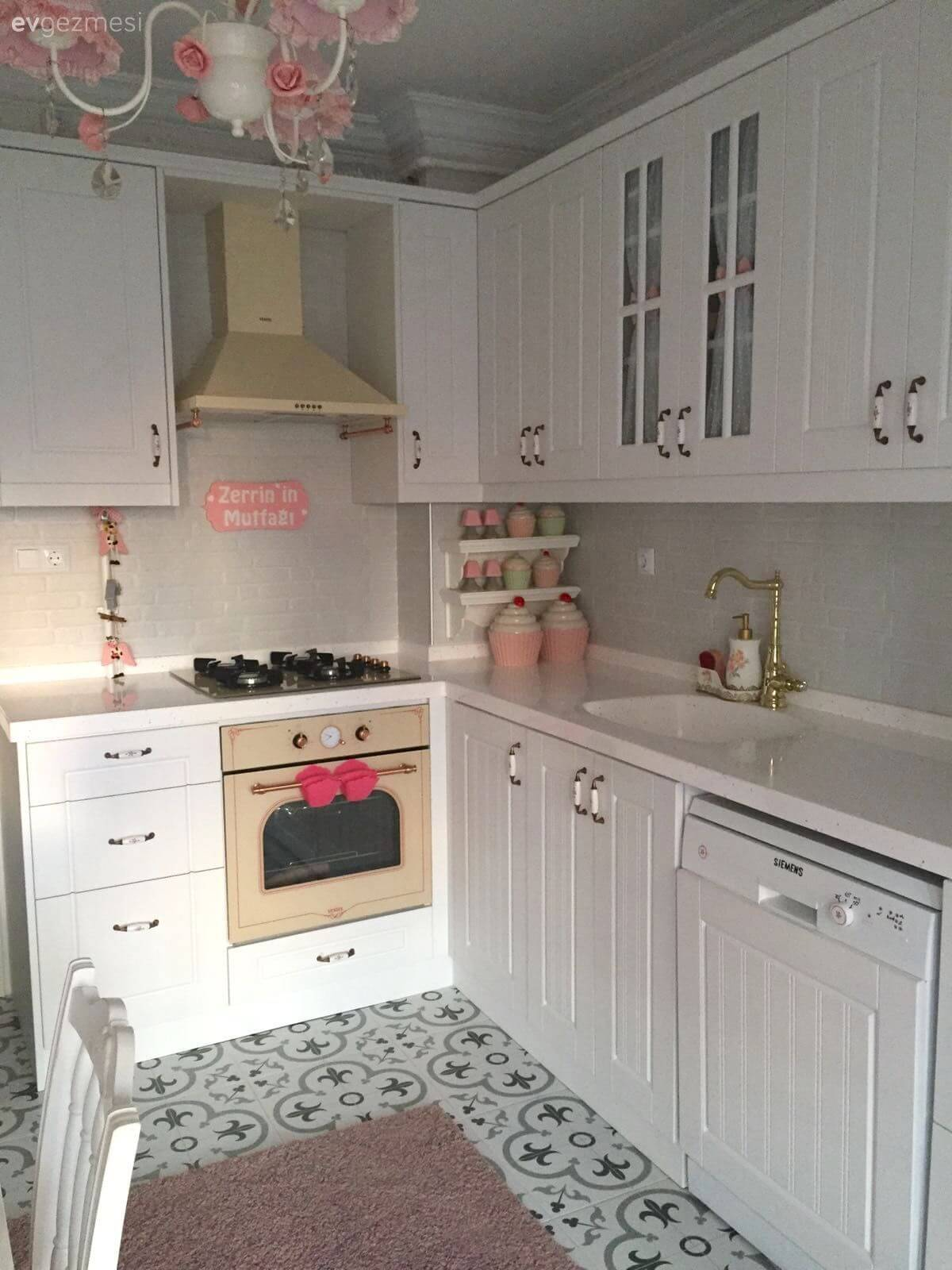 small kitchen decor trash bin 30 best and design ideas for 2019 20 pretty with pink to sweeten the room