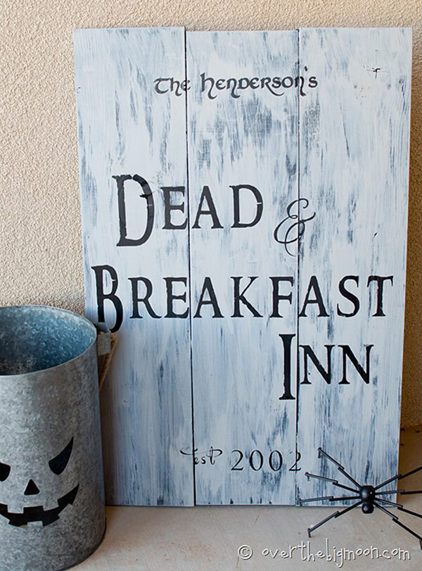 Make your Own Spooky Welcome Signage